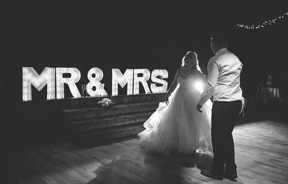First dance & Mr & Mrs - Photo credit Janelle Awe Photography